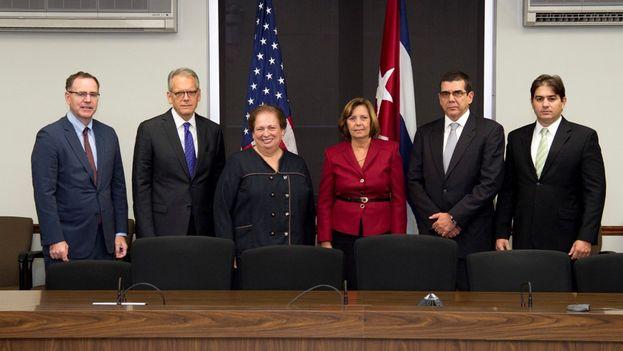 Josefina Vidal encabezó por la parte cubana la quinta reunión de la Comisión Bilateral. (@JosefinaVidalF)