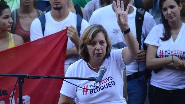 """Josefina Vidal durante el acto """"avispero antibloqueo"""" organizado en la Universidad de La Habana. (@JosefinaVidalF)"""