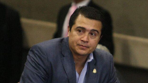El juicio contra el exdiputado Juan Antonio Hernández, hermano del presidente de Honduras, está dibujando una red de tráfico de drogas que implica a la mayoría de autoridades del país. (EFE)