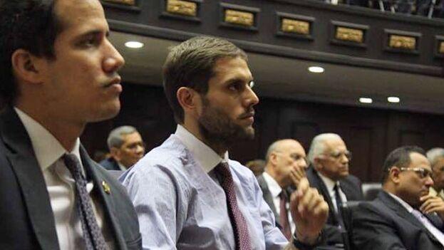Juan Guaidó y Juan Requesens, en una imagen compartida por el primero en sus redes sociales. (Twitter/@jguaido)