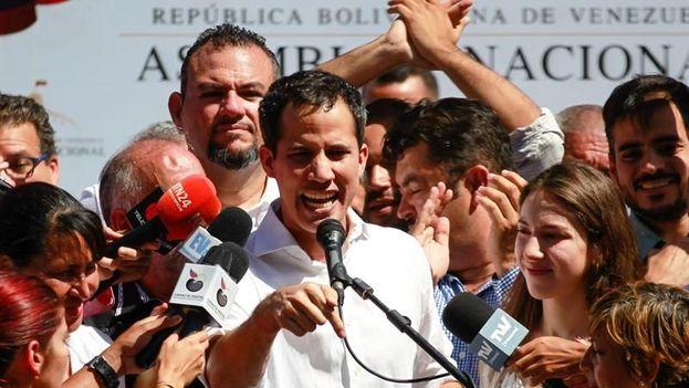 Juan Guaidó apuesta porque en Venezuela ocurra un proceso de transición similar al chileno. (EFE)