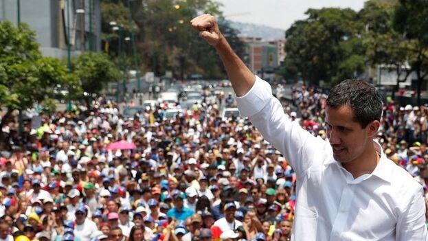 Este martes, en actos paralelos el 'chavismo' y la oposición que encabeza Juan Guaidó dieron inicio a sus respectivas asambleas. (EFE)