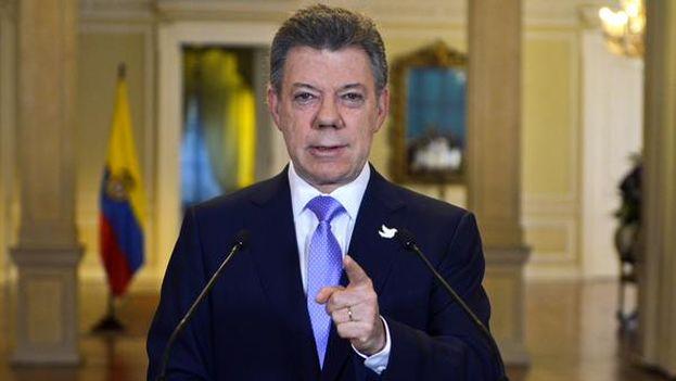 Juan Manuel Santos anucia el fin de los bombardeos sobre las FARC en un discurso televisado