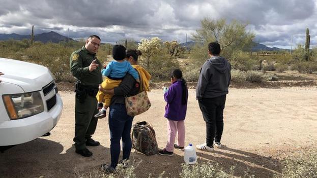 El alcance nacional de la decisión del juez está sujeta aún a lo que diga la Junta de Apelaciones de Inmigración. (EFE/Paula Díaz)