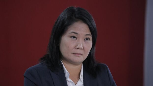 Fujimori, que de momento pierde la votación por unos 73.000 votos, fundamentó su solicitud al Jurado Nacional de Elecciones para que anule 802 actas electorales. (EFE)