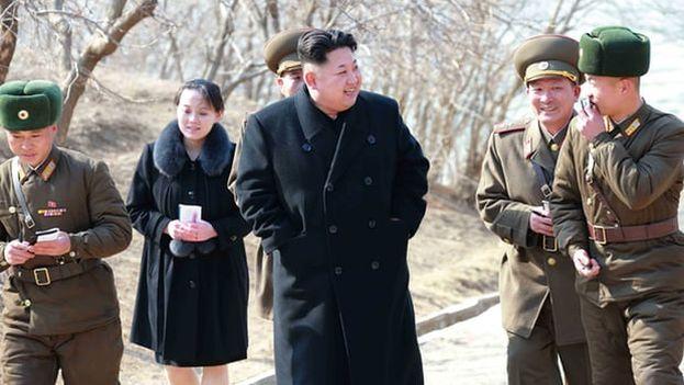 Kim Yo-jong, detrás de su hermano Kim Jong-un, es la vicedirectora del Departamento de Propaganda y Agitación del Partido Único. (KCNA/EPA)