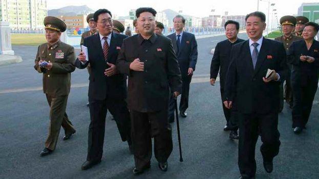 Kim Jong-un reaparece en la inauguración de un complejo habitacional