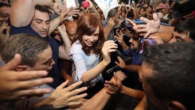 Kirchner sostiene que la Justicia intenta silenciarla antes de que llegue a senadora. (@CFKArgentina)