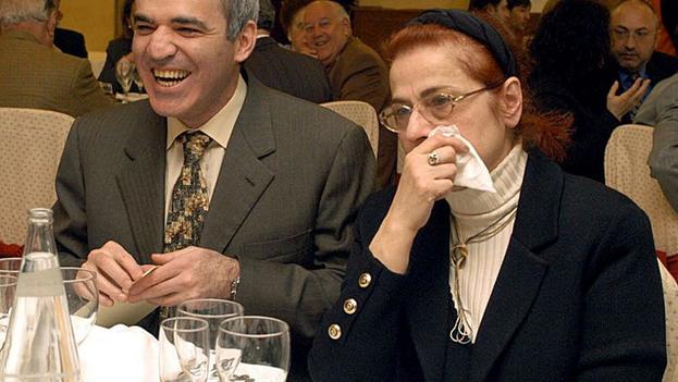 Klara Shagenovna Kaspárova, la mujer que forjó el carácter de su hijo Garry. (EFE)