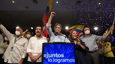 Lasso se ha dado por vencedor cuando el escrutinio de un 97,22% de los votos le concedía una diferencia de 5,03 puntos sobre su rival correísta Andrés Arauz. (EFE/ Santiago Fernández)