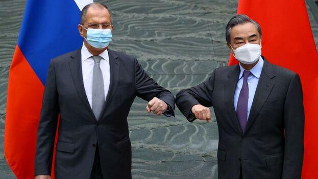 Lavrov llegó a China este lunes para una visita que concluye hoy. (EFE)