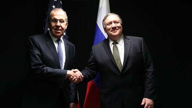 Lavrov y Pompeo discreparon una vez más por la situación en Venezuela. (@EmbassyofRussia)