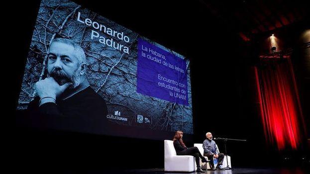 """Leonardo Padura está en México, donde recibió el doctorado """"honoris causa"""" por la Universidad Nacional Autónoma de México. (EFE)"""
