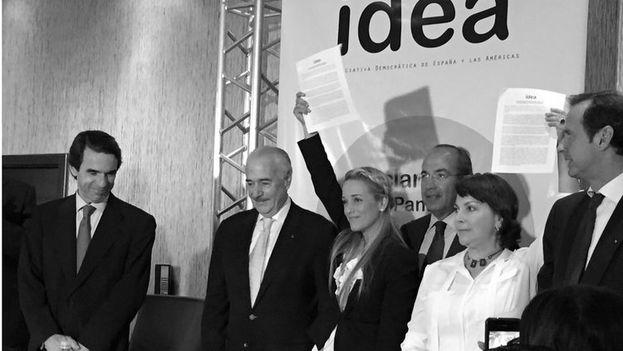 Líderes de Idea durante la fundación del organismo en un evento en que además apoyaron a Lilian Tintori y Mitzy Capriles. (Idea)