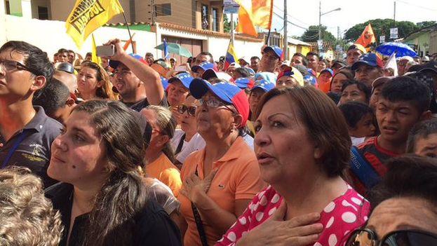 Lilian Tintori participaba en este mitin en Guarico poco antes de que fuese asesinado Luis Manuel Díaz. (@liliantintori)