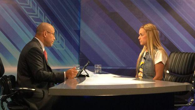 Lilian Tintori durante la entrevista este jueves en Globovisión. (@LilianTintori)