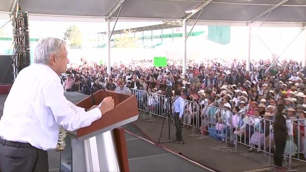 López Obrador este martes en Acambay, donde habló de su próximo plan de ayudas para las zonas con oleoductos de Pemex. (Captura