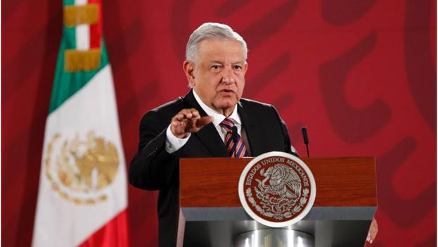 El artículo compara a López Obrador con otros mandatarios populistas. (EFE/ José Méndez/Archivo)