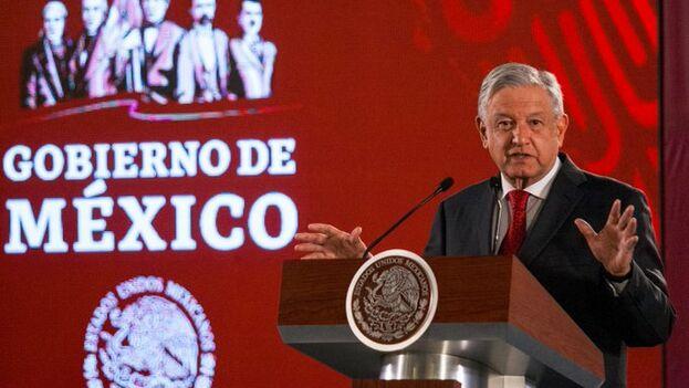 López Obrador afirmó que no se celebrarán, al menos por el momento, más licitaciones de campos petroleros a empresas privadas. (Captura)