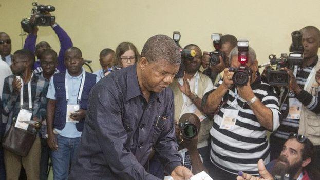 João Lourenço, el nuevo presidente de Angola, recibe un Gobierno construido durante 38 años por Dos Santos, quien se retira del poder pero no de la presidencia del MPLA. (EFE)