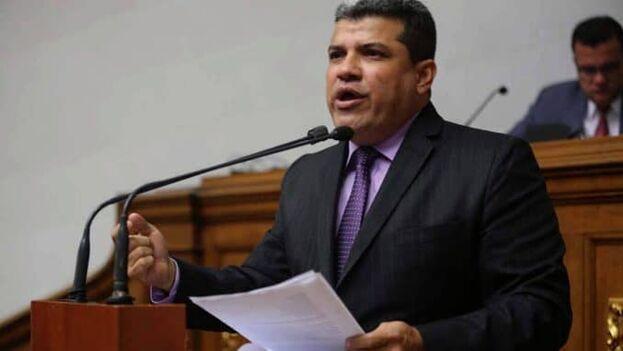 Luis Parra es un antiguo miembro del partido Primero Justicia. (NT24)