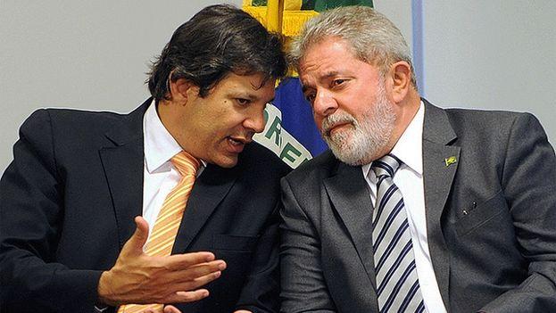 Estaba previsto que Lula y Haddad formasen tándem en las presidenciales brasileñas, pero el expresidente ha agotado las instancias a las que recurrir para ser candidato. (EFE)