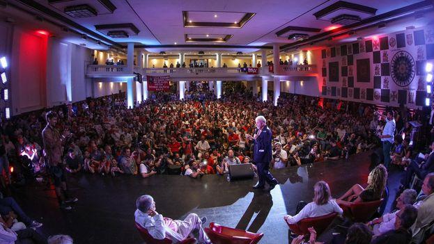 Lula durante el acto en que participó este jueves en Sao Paulo con intelectuales en apoyo de su candidatura. (Ricardo Stuckert/@LulapeloBrasil)