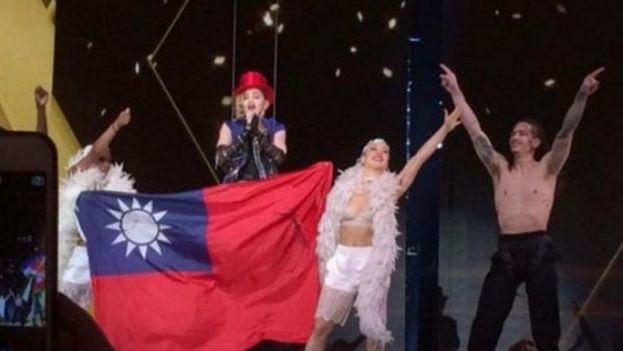 Madonna durante el concierto en Taiwan