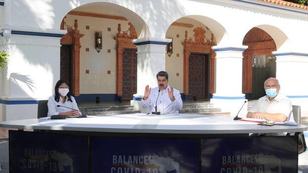 """Maduro pidió """"tolerancia cero con los grupos armados irregulares, narcotraficantes y terroristas de Colombia"""" y dijo que los sacará de Venezuela. (Prensa FANB)"""