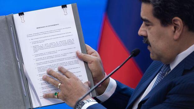 """Maduro dejó claro que está abierto al diálogo con EE UU siempre que ese país ceda en """"su arrogancia, su odio y su desprecio"""". (EFE)"""