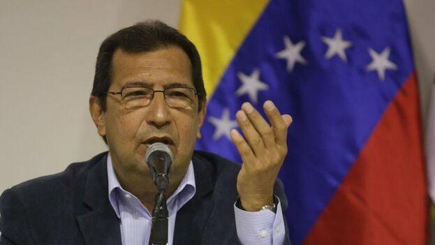 Maduro hizo pública en Twitter su decisión de nombrar al hermano de Chávez como embajador en Cuba. (@NicolasMaduro)