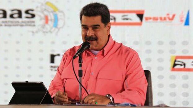 Maduro ofreció premiar a las primeras 100 comunidades que tengan el mayor porcentaje de participación en las próximas elecciones legislativas. (EFE)