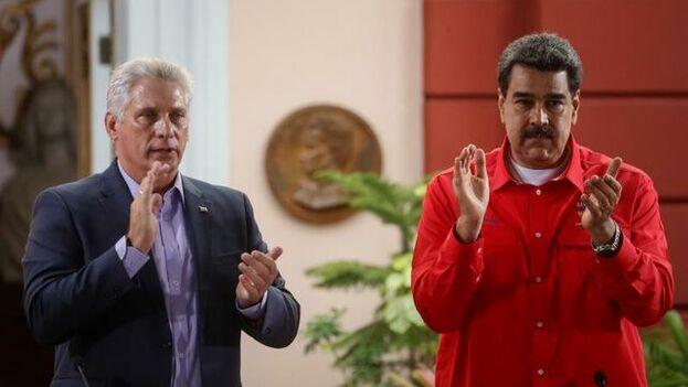 Maduro recordó que tras 20 años de cooperación se han firmado unos 1.400 acuerdos y hoy hay casi 25.000 colaboradores cubanos en Venezuela. (EFE)