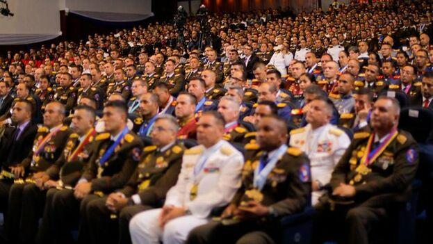 """Maduro anunció la realización de los ejercicios militares """"Soberanía y Paz"""", que se desplegarán en toda la frontera occidental del país. (Nicolás Maduro)"""