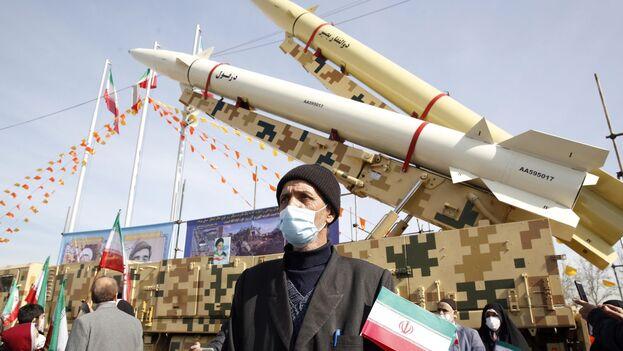 Manifestación el 10 de febrero en Teherán en conmemoración de la revolución de 1979. (Abedin Taherkenareh / EFE)