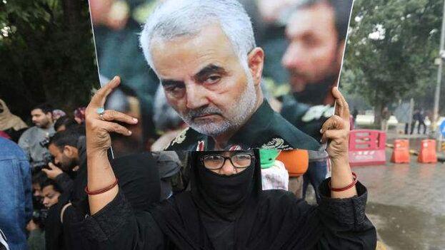 Manifestación en Teherán tras la muerte del comandante iraní Qasem Soleimaní. (EFE)