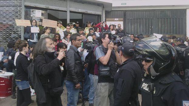 Manifestación en favor de cubanos en proceso de deportación. (14ymedio)