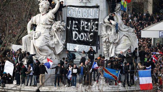 Manifestantes en Paris. (EFE)