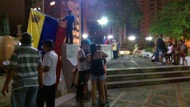 Manifestantes se preparan para la marcha de este jueves en Caracas. (Facebook/Unidad Venezuela)