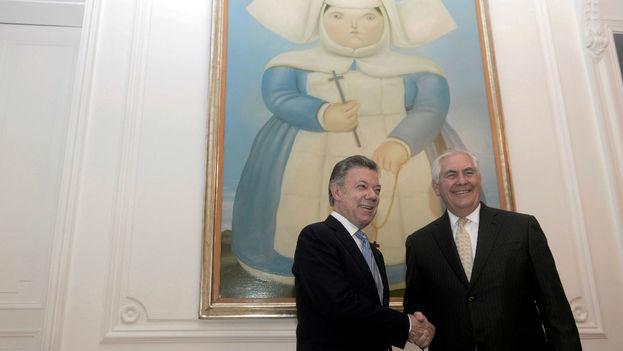 Tillerson dice que Colombia puede ayudar a restaurar la democracia en Venezuela