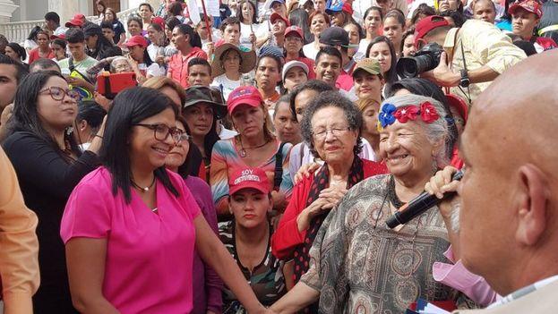 Marcha por el Día Nacional del Socialismo Feminista que las seguidoras del chavismo aprovecharon para mostrar su apoyo al partido. (PSUV)