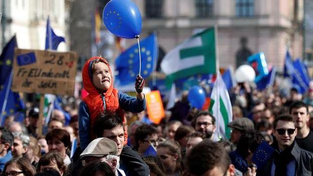 Marcha europeísta concentró en Berlín a miles de personas contra nacionalismo. (EFE)