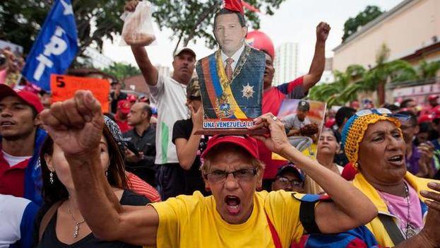 Marcha en apoyo al gobierno chavista. (Archivo EFE)