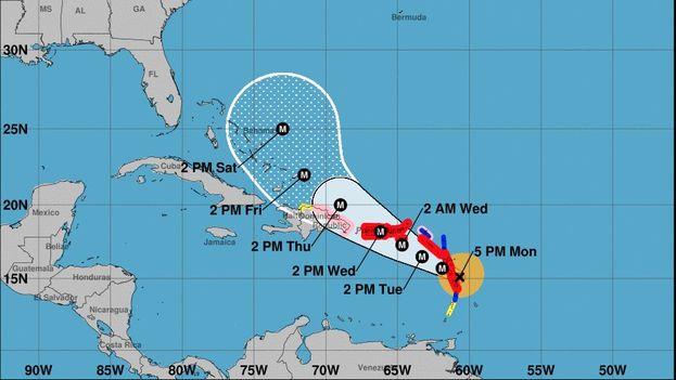 María ha descendido a categoría 4 después de asolar Dominica con la máxima intensidad. (NOAA)