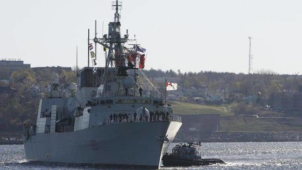 La fragata de la Marina Real de Canadá atracó este domingo en el puerto de La Habana. (Wikicommons)