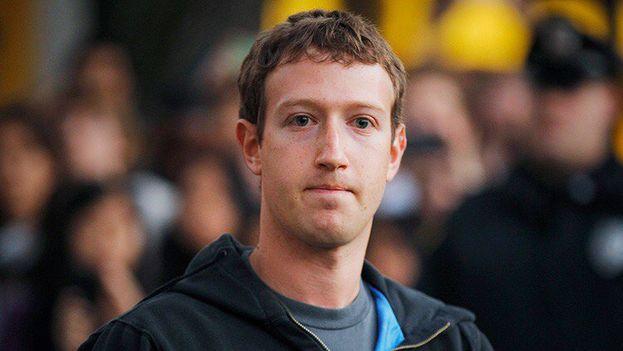 Mark Zuckerberg anunció que adoptará una serie de medidas para aumentar la transparencia de sus anuncios políticos y para incrementar el personal que revisa esos contenidos. (Facebook)
