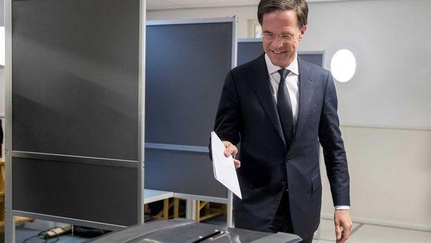 Según los sondeos a pie de urna, el liberal Mark Rutte sería el ganador de las elecciones parlamentarias celebradas este jueves. (14ymedio)