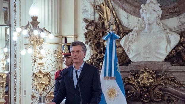 Mauricio Macri ofreció una conferencia de prensa en la Casa de Gobierno, en Buenos Aires, con gran parte de su gabinete ministerial entre el público. (@CasaRosada)