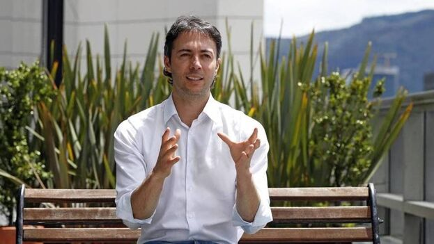 El alcalde de Medellín, Daniel Quintero, ha expresado su deseo de contratar a médicos cubanos justo cuando cuando las relaciones entre los dos países están al borde de la ruptura. (Semana)