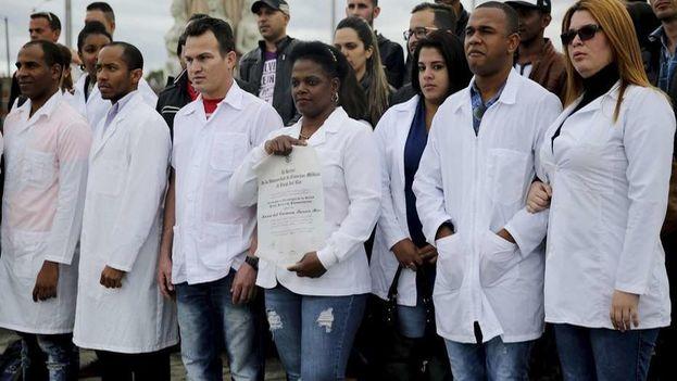 Médicos cubanos en Colombia. (Archivo EFE)